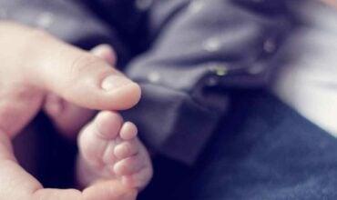 Bébé et les écrans, quel comportement adopter ?