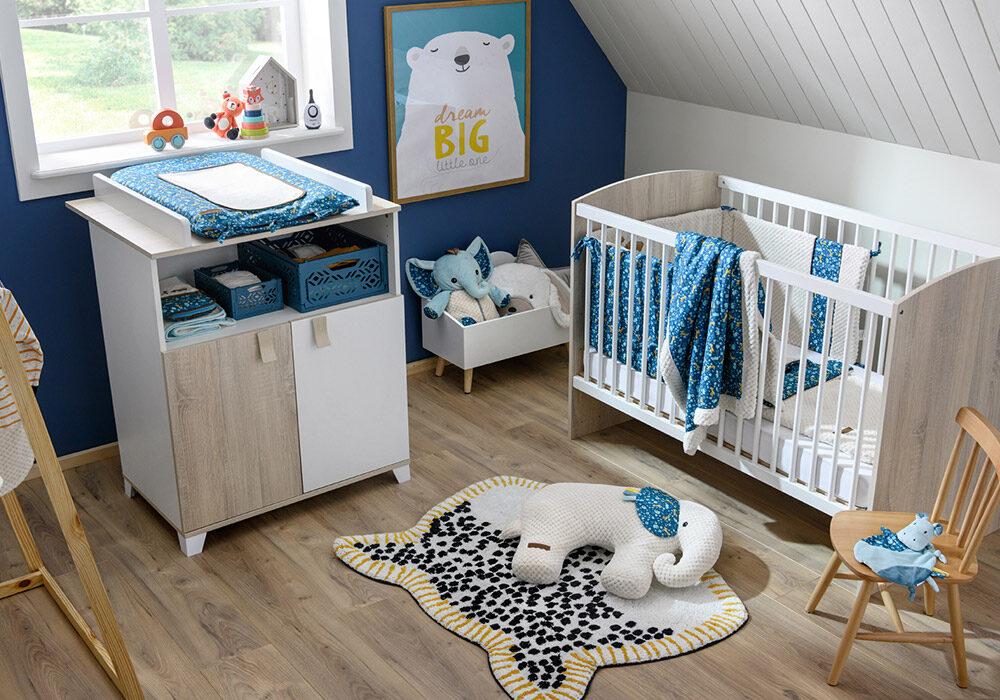 Choisir entre l'armoire ou la commode pour la chambre de bébé