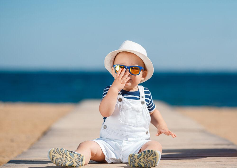 Quelles lunettes de soleil choisir pour bébé ?