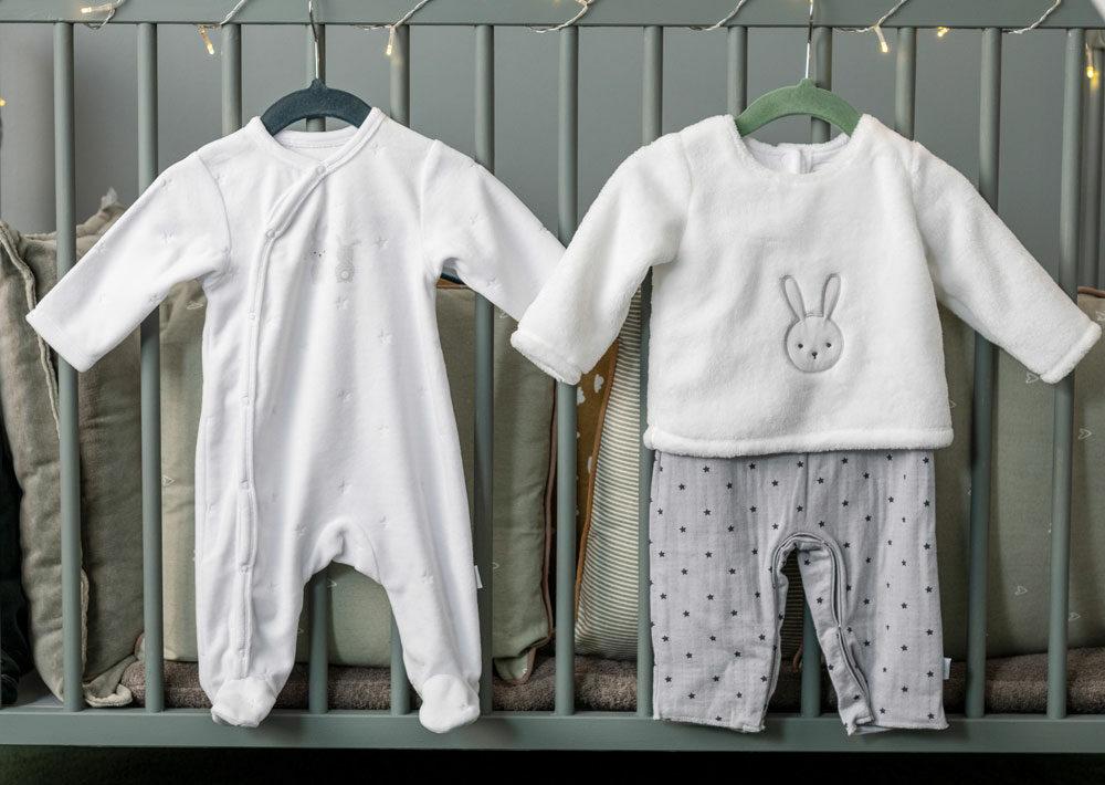 Comment choisir la taille des vêtements et chaussures de bébé ?