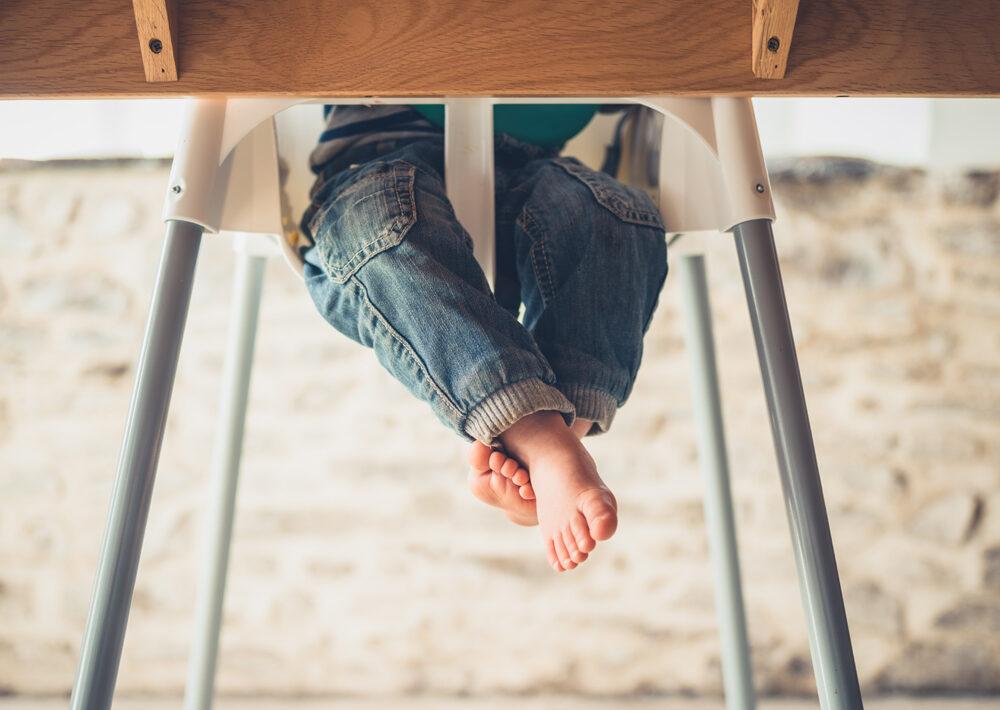 Quand passer de la chaise haute au rehausseur ?