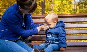 Comment nettoyer le nez de bébé ?